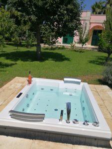 Jacuzzi, Idromassaggio, Sprudelbad im Garten