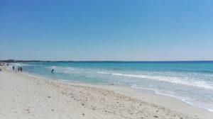 A neraby beach. Spiaggia vicina. Ein naher Strand
